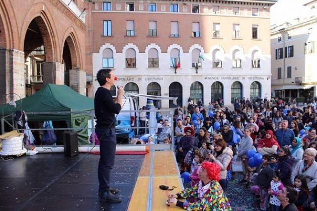 Il Sindaco Galimberti ringrazia tutte le persone che hanno contribuito a rendere il Carnevale in Piazza una festa speciale