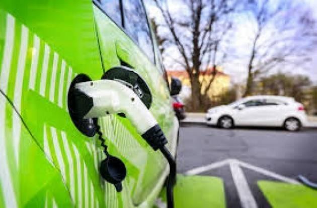 Cremona: in arrivo altre 8 colonnine per la ricarica di veicoli elettrici