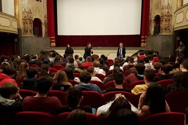 AL CINEMA FILO LGH PRESENTATO A RAGAZZE E RAGAZZI DELLE SCUOLE SUPERIORI 'SOLSTIZIO D'INVERNO'