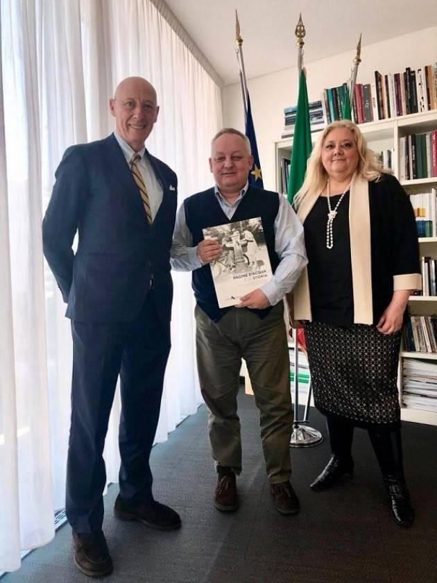 Padania Acque ricevuta dall'Assessore regionale all'Autonomia e Cultura Stefano Bruno Galli
