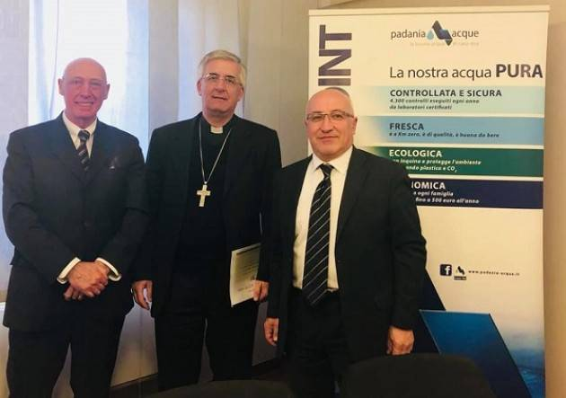 Padania Acque S.p.A.: il Vescovo Antonio Napolioni in visita ufficiale presso la sede di via del Macello