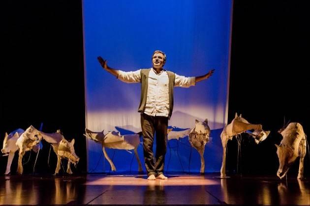 Zanna Bianca al Teatro Ponchielli venerdì 22 marzo