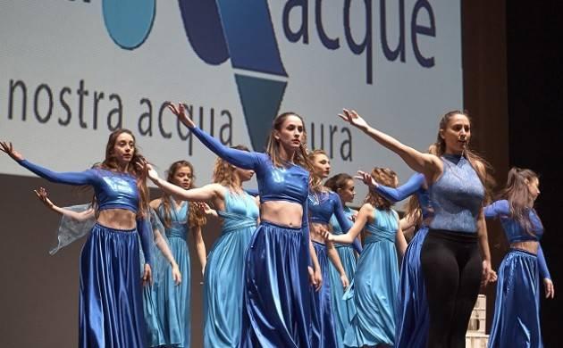 Cremona Padania Acque : martedì 26 marzo  al Ponchielli è andata in scena la 'Festa dell'Acqua Pura'