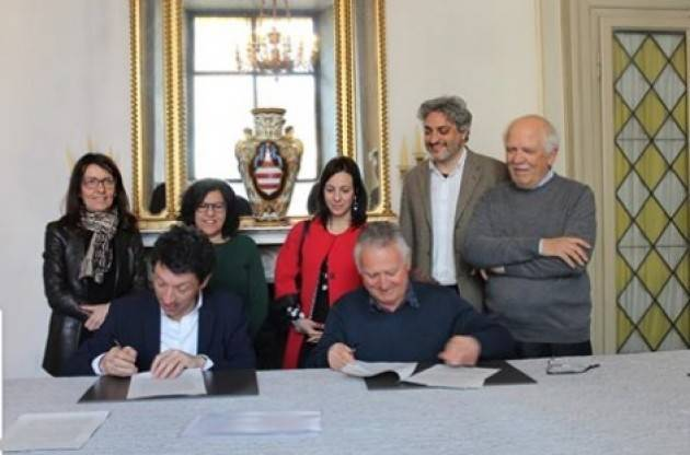 Gianluca Galimberti firma un protocollo con le ACLI per il supporto alle Fragilità