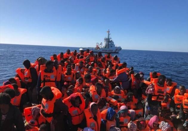 Pianeta migranti. Stiamo tutti naufrangando.