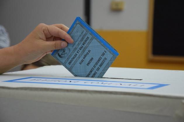 Elezioni2019 I candidati sono obbligati a pubblicare sul web curriculum vitae e il certificato penale