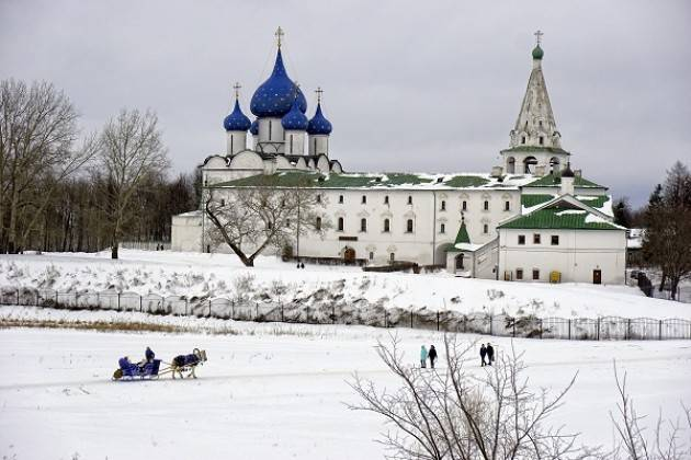 Casalmaggiore RUSSIA INVERNALE e SAN PIETROBURGO Proiezioni di foto di Giuliano Bandieri