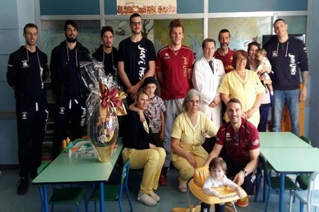 Uovo di Pasqua con sorpresa per la Pediatria di Cremona
