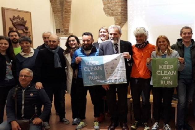 Tappa a Cremona degli aderenti alla corsa Keep Clean and Run+