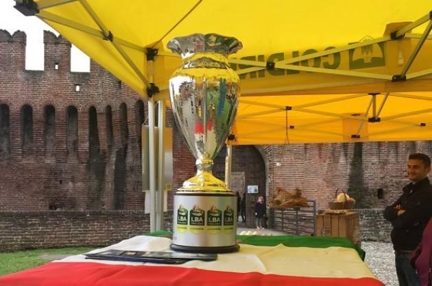 Grande partecipazione per il mercato di Campagna Amica alla Rocca Sforzesca di Soncino