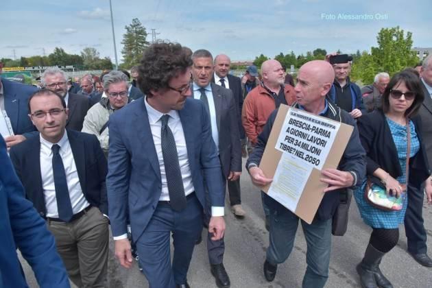 Il Ministro Toninelli a Casalmaggiore. I comitati ambientalisti : ma quando ci incontri (Cesare Vacchelli)