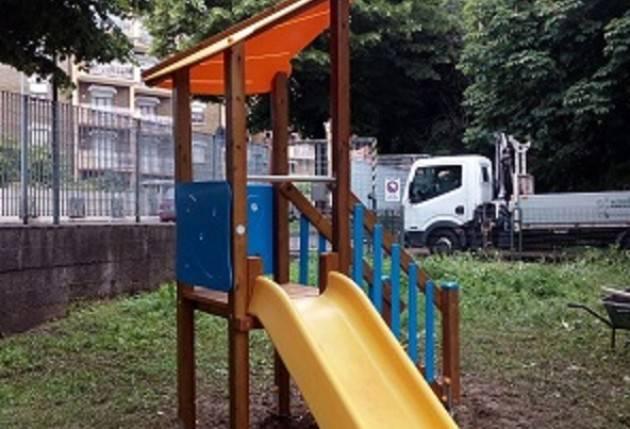 Per una Cremona  a misura di bambini. Nuovi giochi nelle scuole infanzia e nidi. Soddisfazione di Galimberti