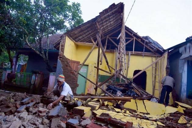 AccaddeOggi 27 maggio 2006 – Un terribile terremoto a Giava: 5.700 vittime e lascia 200.000 persone senza tetto