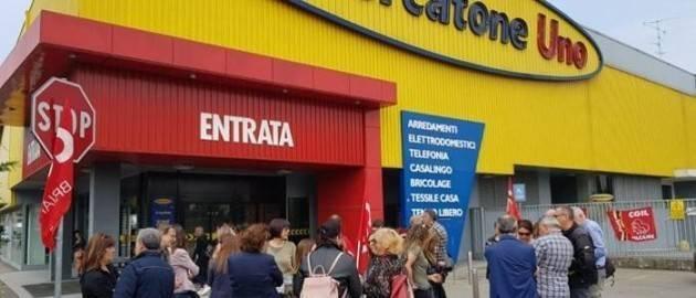 Crema Mercatone Uno: piena solidarietà de La Sinistra ai lavoratori.