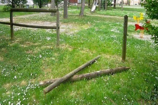 Vandali al parco di Casanova del Morbasco
