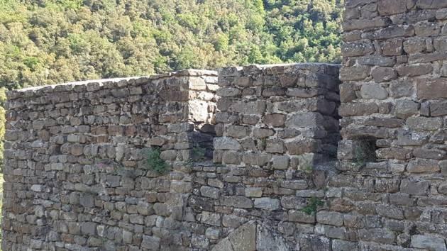 Alle origini della nostra civiltà : Il castello Doria di  Isolabona  ( di Christian Flammia)