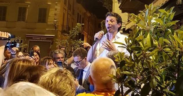 Gianluca Galimberti Sindaco fa il bis a Cremona Le reazioni dei cremonesi e dei partiti