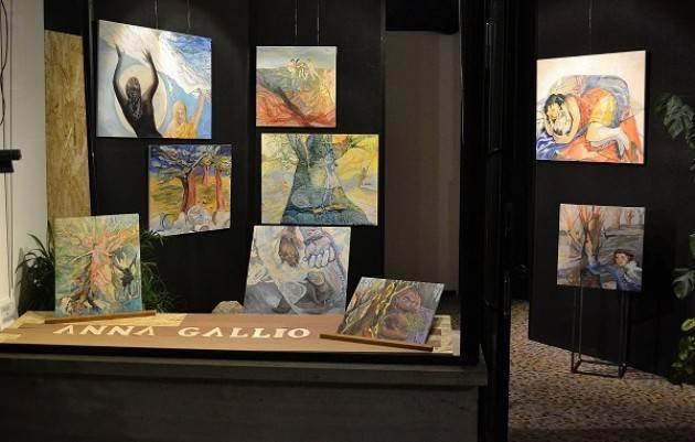 Anna Gallio  Pittrice espone in 'ARTE IN VETRINA' a PIADENA DRIZZONA