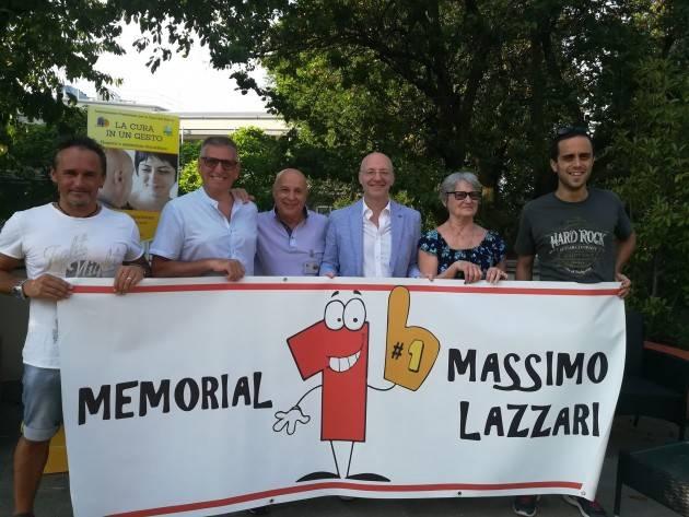 Gesto di solidarietà  a Cremona 5°Memorial 'Massimo Lazzari' consegna  a ACCD 2300,00 euro