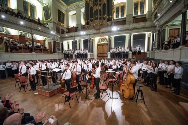 Coro e Orchestra d'Archi della Magdalen College School di Oxford a Cremona il 10 luglio