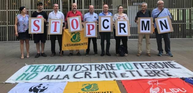 Presidio a Milano contro la Cr-Mn.Diciamo No ad ulteriori illusioni e Sì ad una mobilità moderna e sostenibile.