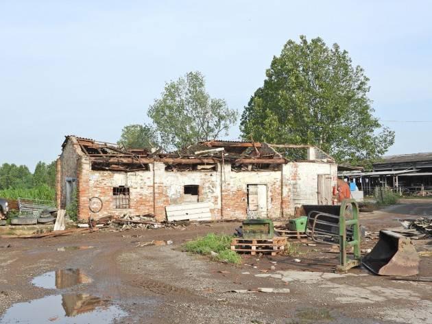Coldiretti Cremasco, campi devastati e stalle scoperchiate da tromba d'aria e grandine danni per milioni nei campi