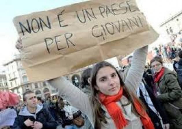Pianeta Migranti. Pensate ai tanti italiani che emigrano anziché accanirvi sui pochi migranti che arrivano!