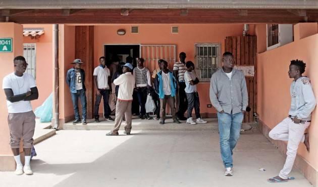 Indignazione ed imbarazzo per le dichiarazioni del sindaco di Pordenone sull'accoglienza migranti