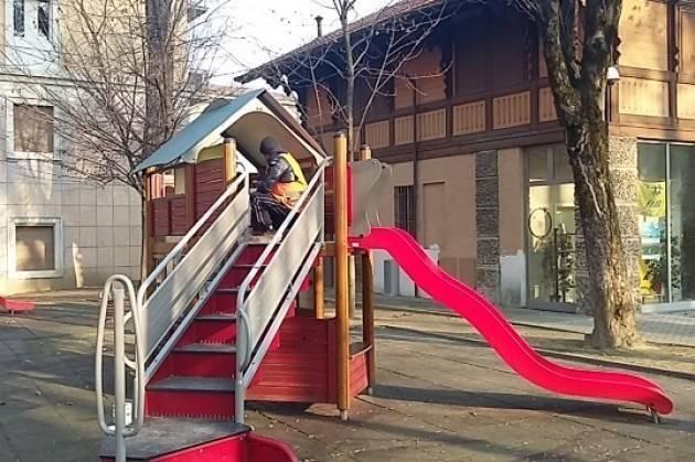 Cremona Degrado parco giochi di Piazza Roma. Interviene il Prefetto Gagliardi