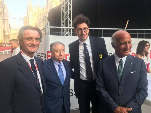LNews-FESTA IN PIAZZA DEL DUOMO PER 90 ANNI GRAN PREMIO D'ITALIA E SCUDERIA FERRARI. PRESIDENTE FONTANA: ENTUSIASMO CHE CONTAGIA