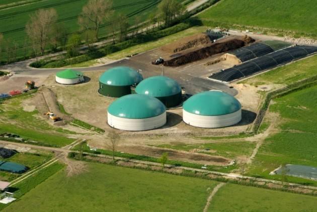 Biogas-silandia La provincia di Cremona 'ospita' 140 centrali a Biogas Si apre qualche crepa nel sistema