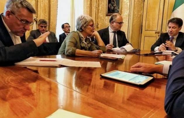 Il confronto Cgil-Cisl-Uil Governo: Conte 2.0 promette: meno tasse sul lavoro e lotta all'evasione