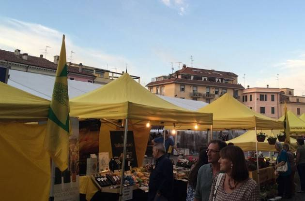 Coldiretti Sabato 21 e domenica 22  Festa della Zucca a Casalmaggiore Campagna Amica in piazza Garibaldi