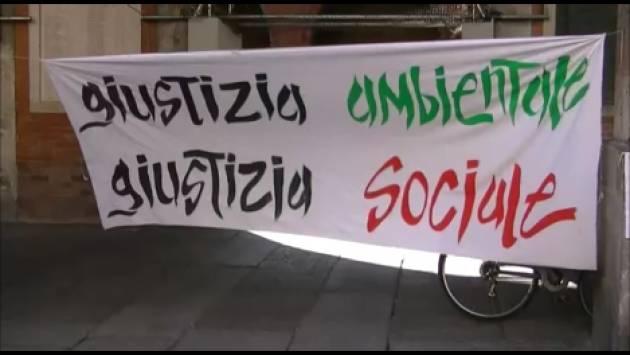 FFF Fridays For Future Cremona ha organizzato una pubblica assemblea Verso il 3° sciopero globale sul clima del 27 settembre 2019  (Video G.C.Storti)