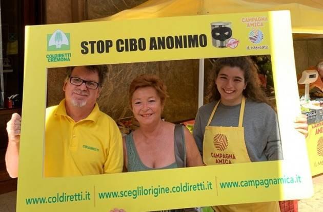 Cremona Coldiretti 'Stop Cibo Anonimo', ultimi giorni per firmare per la trasparenza in tavola