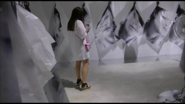MDV Cremona Gianluca Galimberti inaugura la mostra  SO.LIL.O.QUY di ALEC VON BARGEN (Video G.C.Storti)