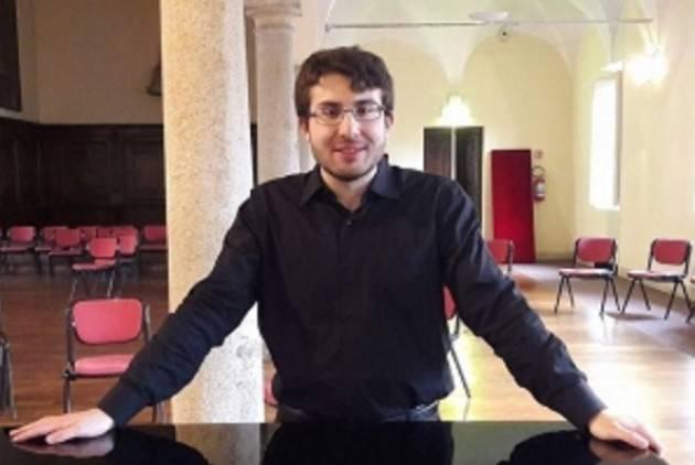Emanuele Scaramuzza al pianoforte per la rassegna Musica al Museo