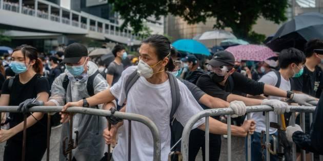 HONG KONG, AMNESTY INTERNATIONAL CRITICA I POTERI D'EMERGENZA