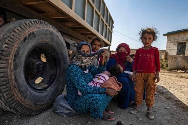 Cremona Pianeta Migranti. Finiamola di esportare armi e importare rifugiati.