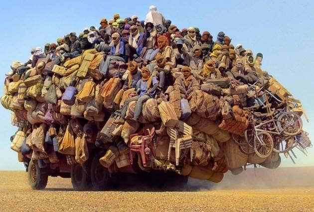 Pianeta Migranti. L'Africa e i cambiamenti climatici di Bruna Sironi