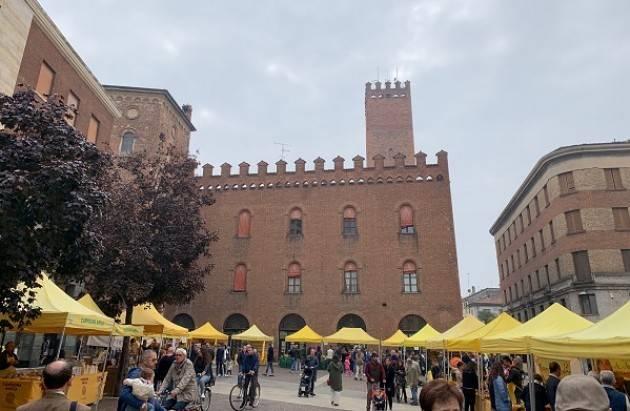 """""""Novembre in tavola"""" domani al mercato di Campagna Amica in piazza Stradivari"""