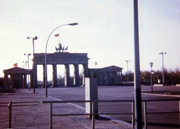 Clandestino nella DDR nel 1973. Breve racconto sulla Berlino, Est ed Ovest, del suo muro e dei suoi abitanti | G.C. Storti