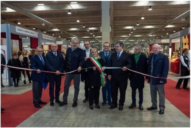 Inaugurato il Il BonTà a  Cremona 2.000 prodotti artigianali che provengono da 16 regioni d'Italia.