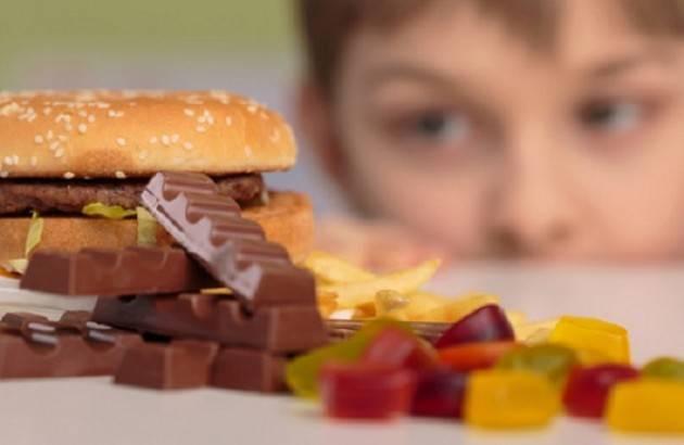 Salute, Lombardia: 18% bambini in sovrappeso ma quasi 51 mila non hanno cibo a sufficienza