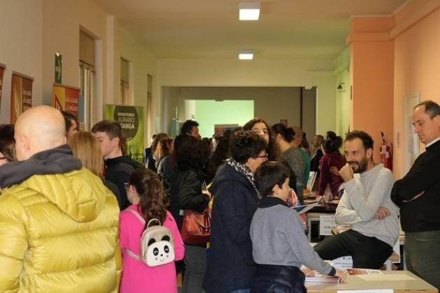 Cremona Alla scuola Virgilio di Cremona un Piccolo Salone degli studenti |Alessandra Fiori
