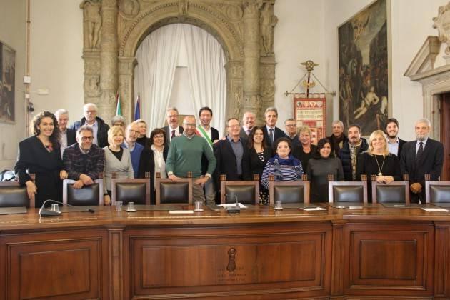 Cremona Consegnati gli attestati di merito agli ex dipendenti comunali