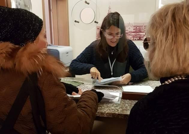 Cremona Nuovi Punte luce in Viale PO Raccolte e consegnate 587 firme