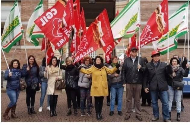 Appalti Pulizia scuole, da Nord a Sud corre la protesta
