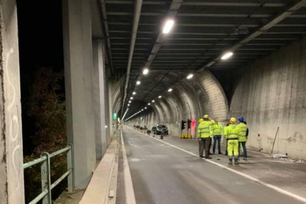 Frana a Tremosine (BS): senso unico alternato sulla Gardesana Occidentale