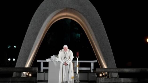 Pax Christi Un crimine… E' immorale l' uso ed il possesso delle armi nucleari